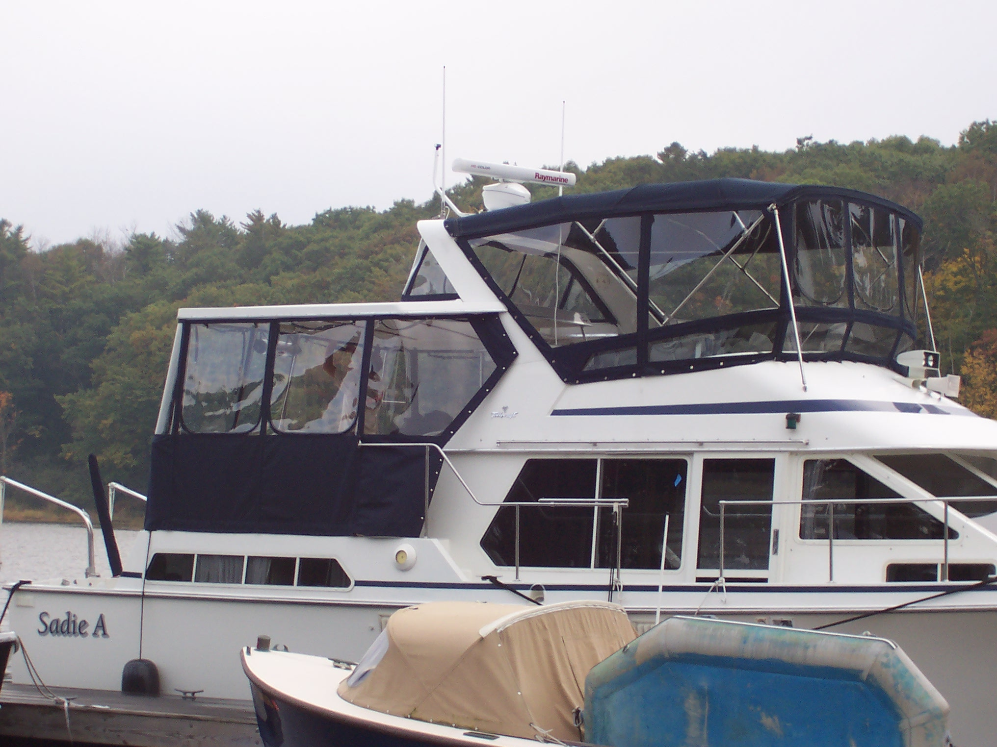 Boat Canvas, Power boat covers and enclosures